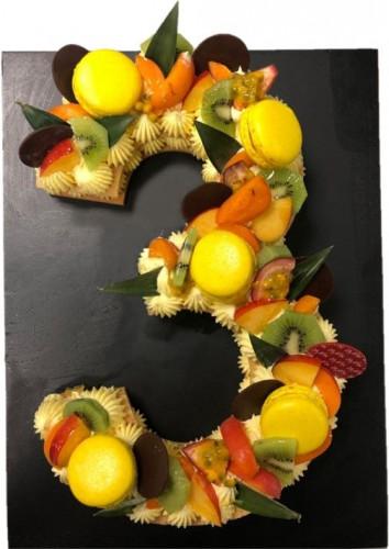 number-cake-fruits